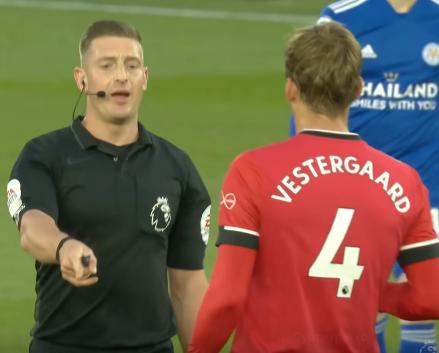 Вестергор получил красную карточку